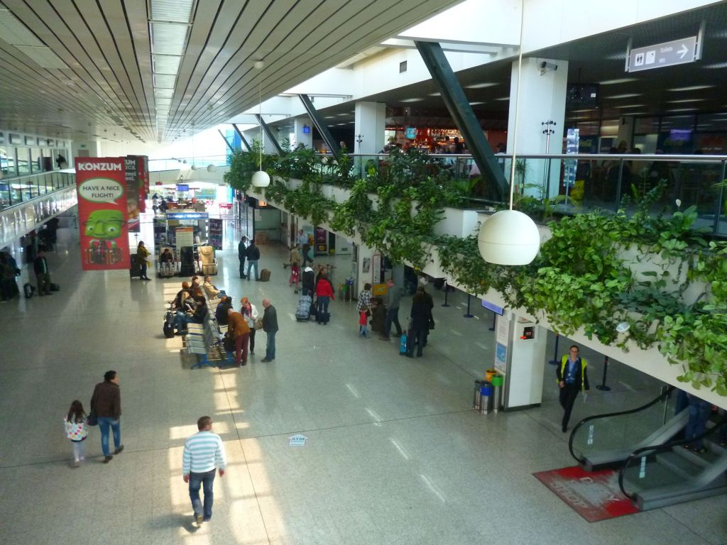 Зал аэропорта. Фото: Елена Арсениевич, CC BY-SA 3.0