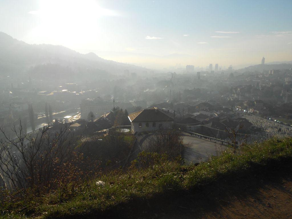 Сараево в дымке. Фото: Елена Арсениевич, CC BY-SA 3.0