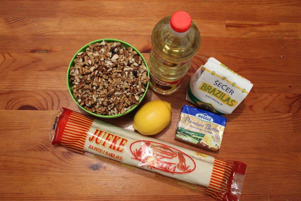 Всё, что нужно для баклавы. Фото: Елена Арсениевич, CC BY-SA 3.0