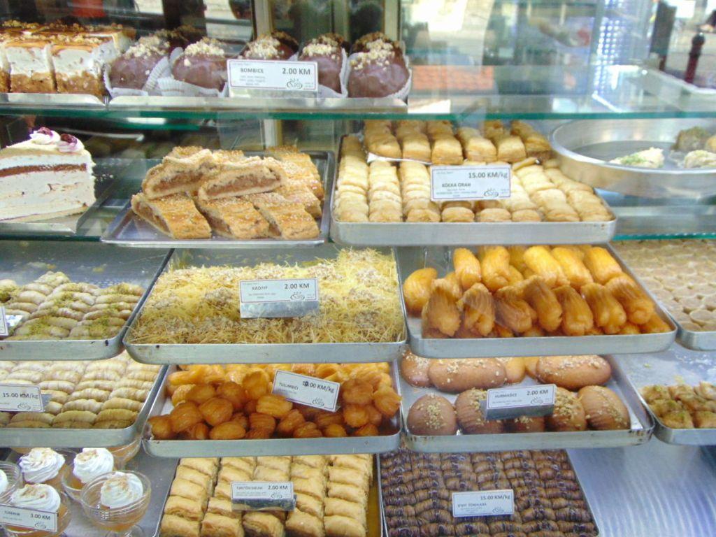 Восточные сладости. Фото: Елена Арсениевич, CC BY-SA 3.0