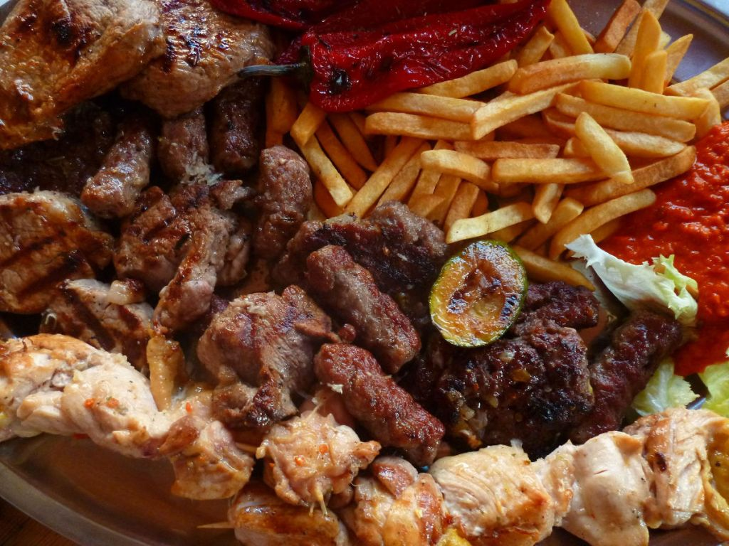 Разная внусная еда. Фото: Елена Арсениевич, CC BY-SA 3.0