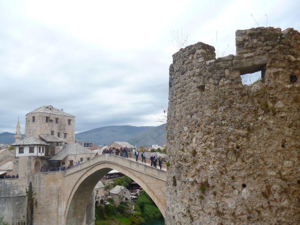 Из окна мектеба можно потрогать башню Герцегушу. Фото: Елена Арсениевич, CC BY-SA 3.0