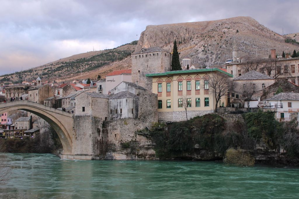 Комплекс Старого моста в Мостаре. Фото: Елена Арсениевич, CC BY-SA 3.0