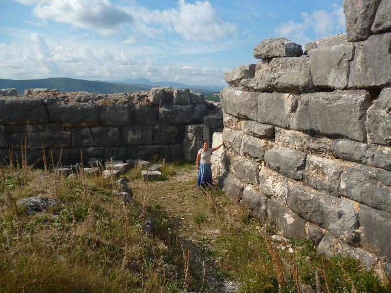 Мегалитическая стена Даорсона, которому 3700 лет. Фото: Елена Арсениевич, CC BY-SA 3.0