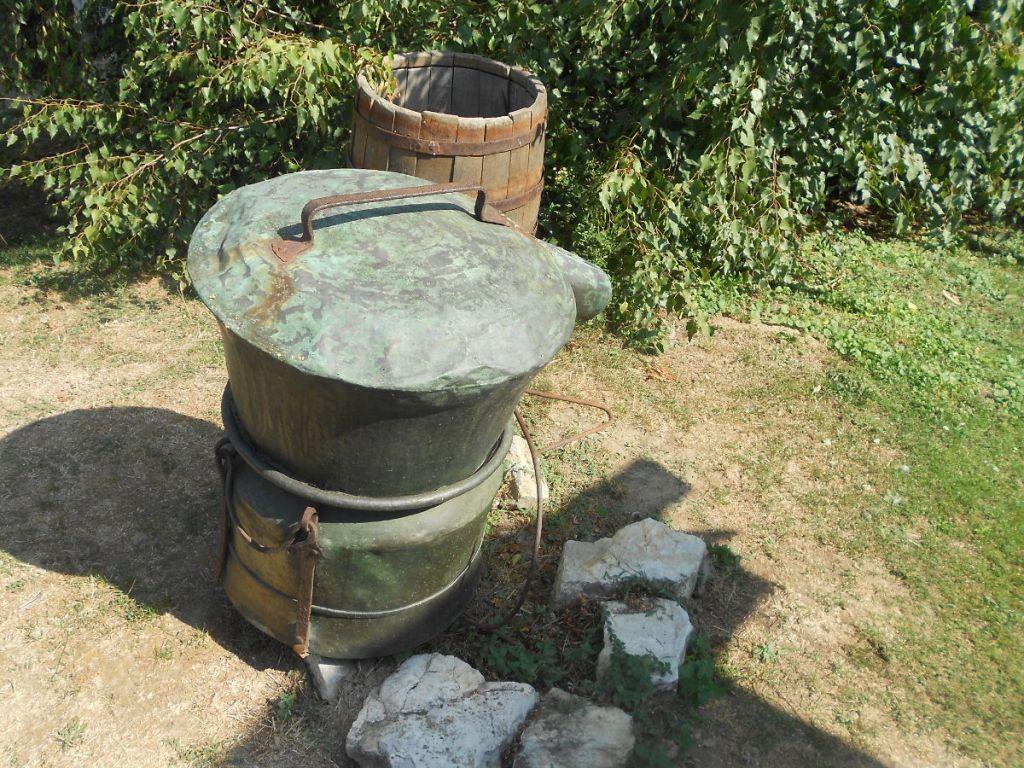 Старинный казан в этноселе «Станишичи». Фото: Елена Арсениевич, CC BY-SA 3.0
