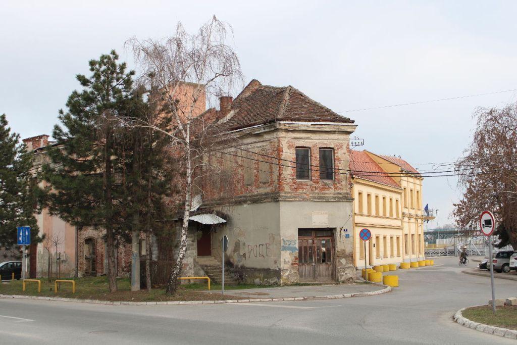 Дома в Брчко. Фото: Елена Арсениевич
