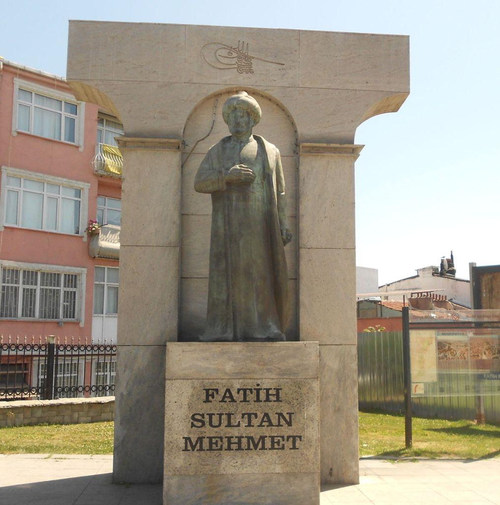 Мехмед II Завоеватель, памятник в Стамбуле. Фото: Елена Арсениевич, CC BY-SA 3.0