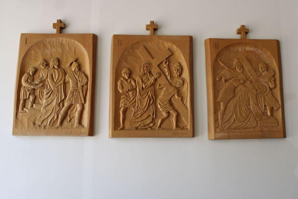 Три сцены Крестного хода. Фото: Елена Арсениевич, CC BY-SA 3.0