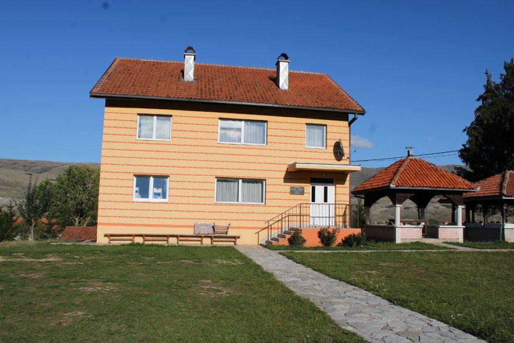 Дом для монахов. Фото: Елена Арсениевич, CC BY-SA 3.0