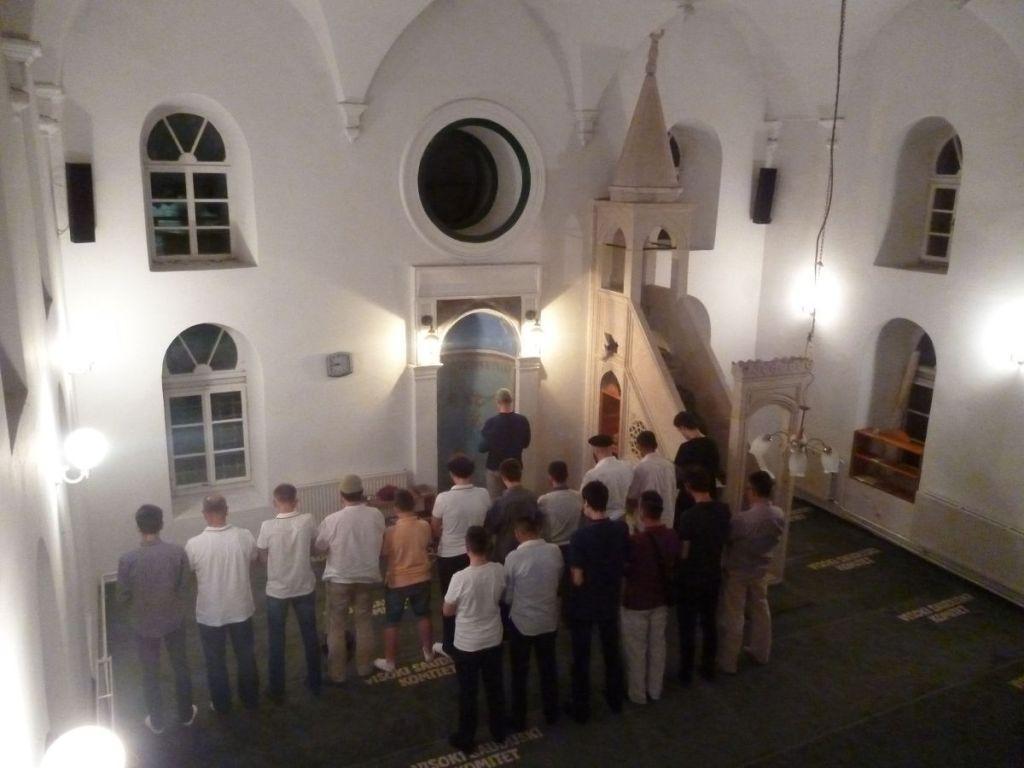 После ифтара все идут в мечеть. Фото: Елена Арсениевич, CC BY-SA 3.0
