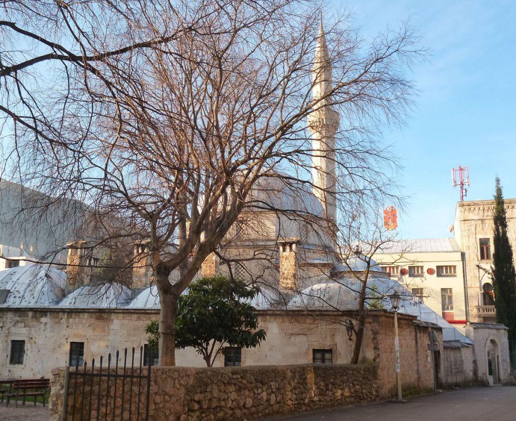 Мечеть и медресе Караджоз-бега в Мостаре. Фото: Елена Арсениевич, CC BY-SA 3.0