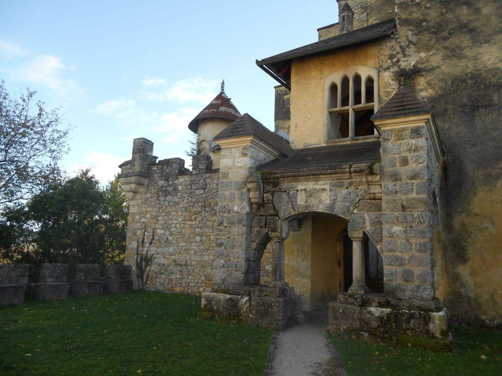 Вход в замок. Фото: Елена Арсениевич, CC BY-SA 3.0
