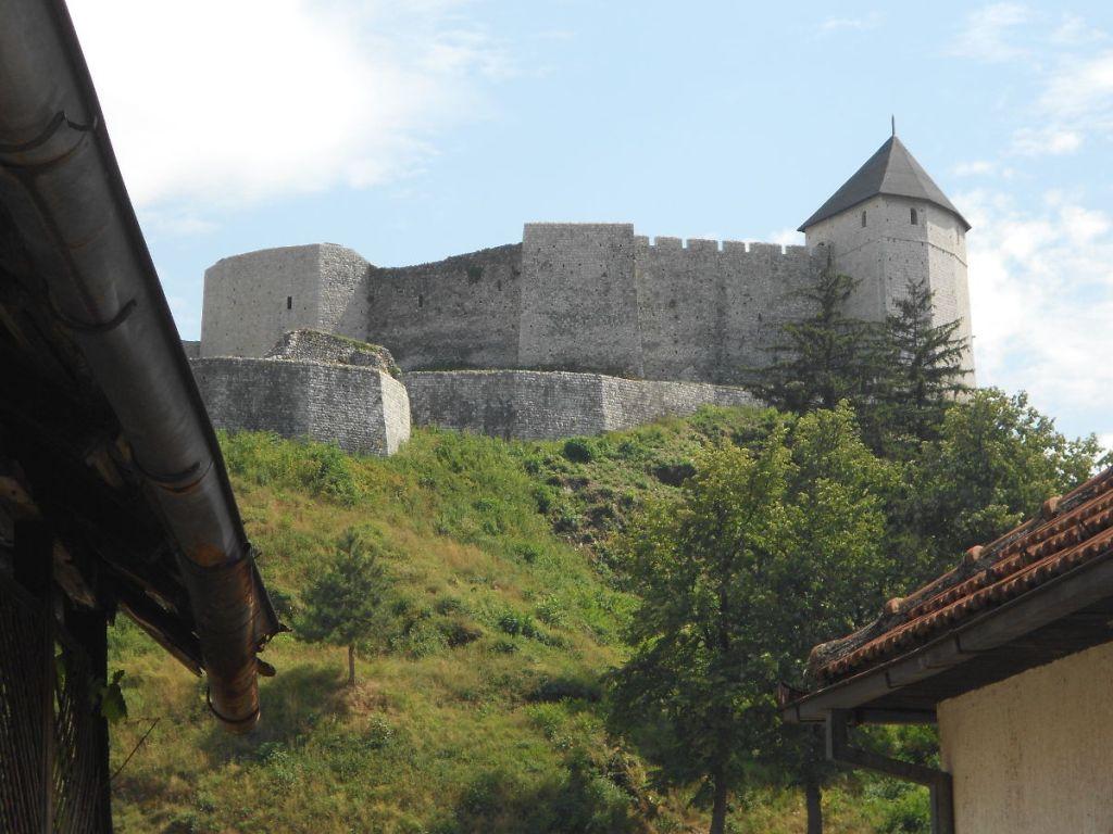 Средневековая часть крепости. Фото: Елена Арсениевич, CC BY-SA 3.0