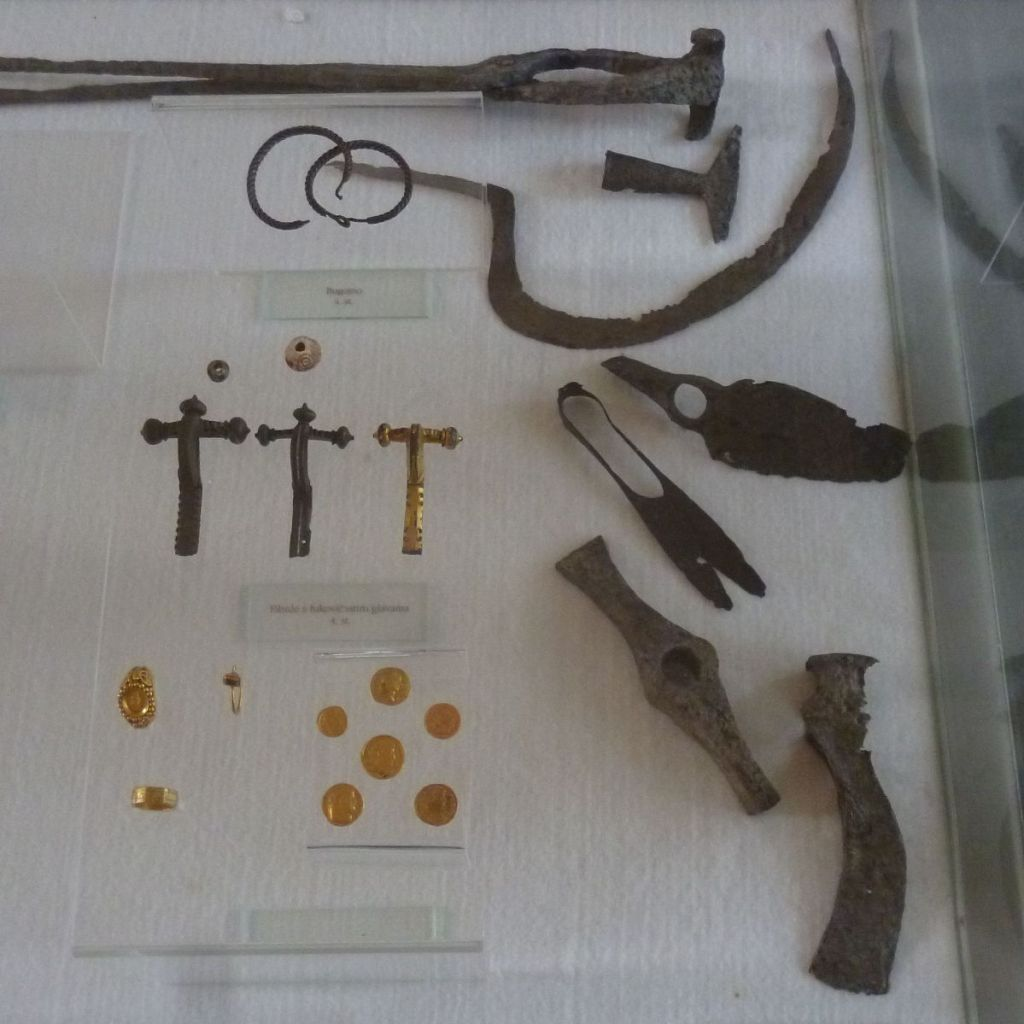 Археологические находки из Могорело. Фото: Елена Арсениевич, CC BY-SA 3.0