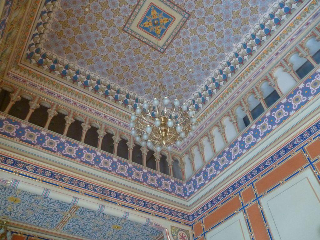 Потолок в зале приёмов. Фото: Елена Арсениевич, CC BY-SA 3.0