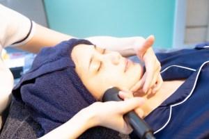 1秒間に100万回の微振動でお肌に栄養を届ける超音波トリートメント
