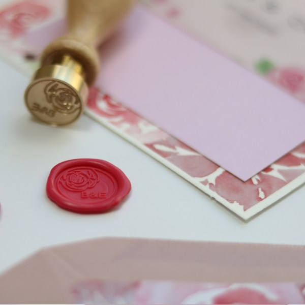 op maat gemaakte lakzegel met roos