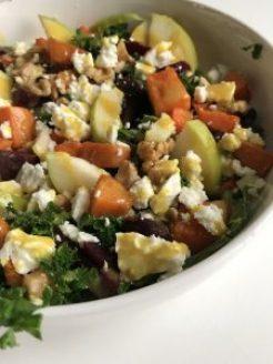 Salade met pomoen en boerenkol