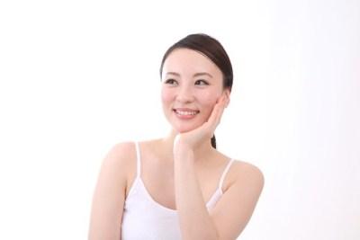 小顔美人には秘密がある!むくみをとって顔太りを解消する4つの方法