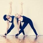 肩こりが女性に多いのはどうして?原因と肩こり対処法