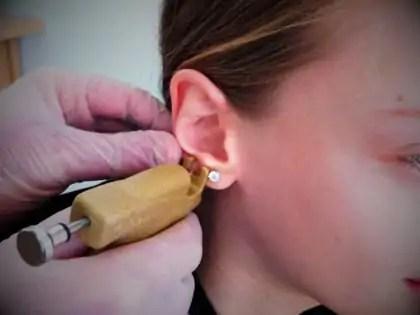 perçage d'oreille montréal