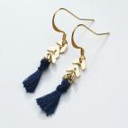 boucles d oreilles epi dore et pompon bleu (Copier)
