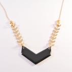 collier dore chevron noir (Copier)