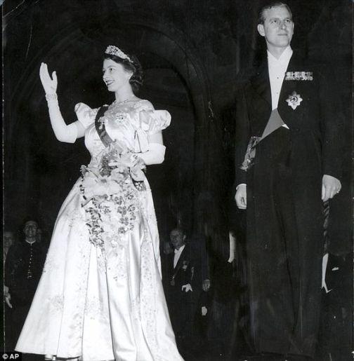 1948 05 18 Pcess Elizabeth's Visit to France 3 at the Opera