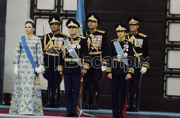 1976 04 25 50 ans de la dynastie Pahlavi 1