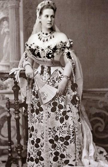 1880 ca. Reine Olga de Grèce 1