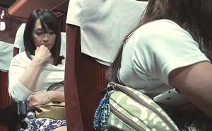 高速夜行バスの中で可愛く妖艶で小悪魔な人妻に大胆な痴漢行為!