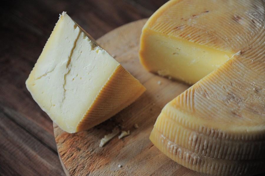 Schimmels op kaas kunnen oorzaak zijn van EAA
