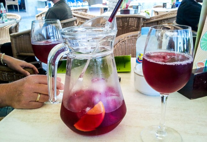 sangria lijstjes bijzondere streken - TOP 10 MOST POPULAR DRINKS IN THE WORLD + BONUS