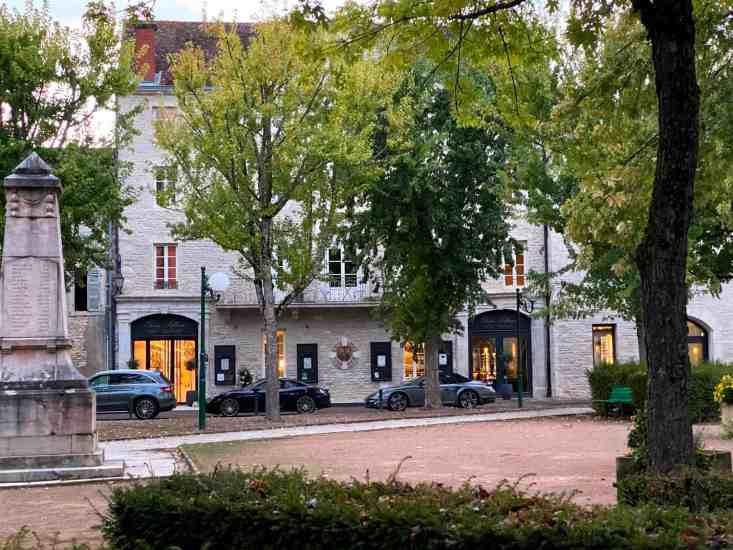 Restaurant Olivier Leflaive Puligny Montrachet Bourgogne Frankrijk