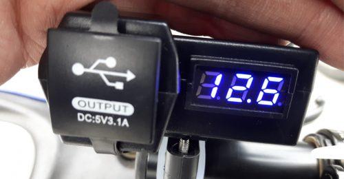 バイク USB 電源 作業