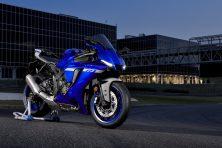 2020-Yamaha-YZF-R1- (13)