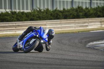 2020-Yamaha-YZF-R1- (20)