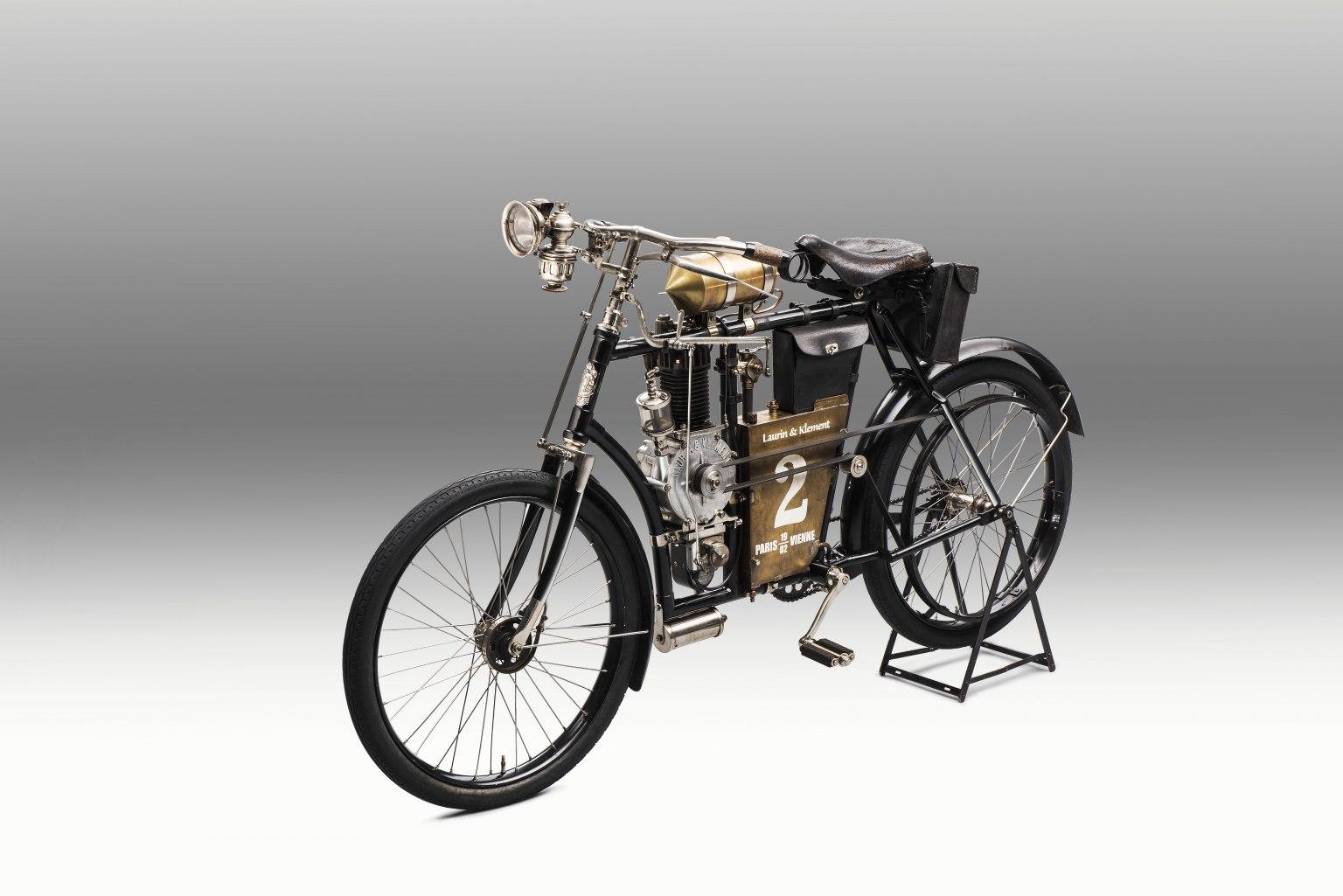 Laurin & Klement Slavia B: Historie ŠKODA Motorsport se začala psát před 120 lety mezi Paříží a Berlínem
