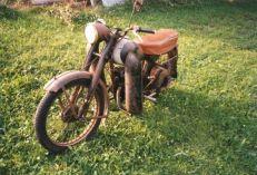 ukradeny_motocykl-CZ_125_C-patrani_policie- (2)