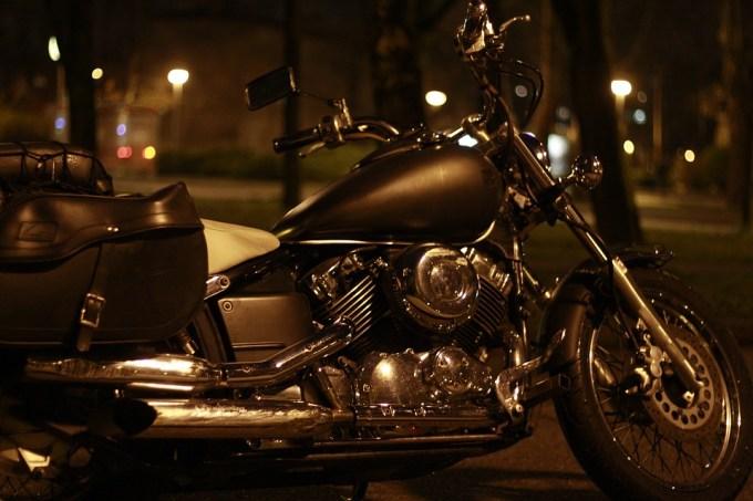 アメリカン バイク 深夜