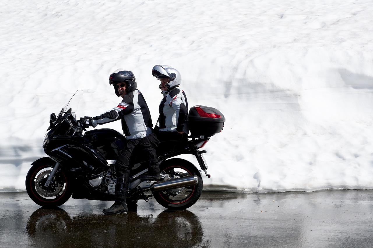 冬 雪 オートバイ バイク ライダー 防寒