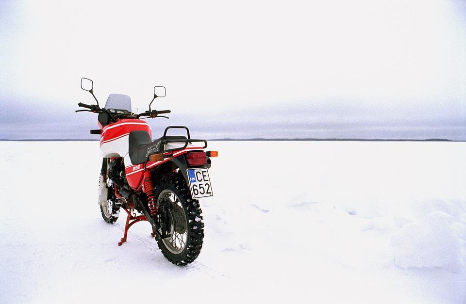オートバイ 冬 バイク 雪 アイス