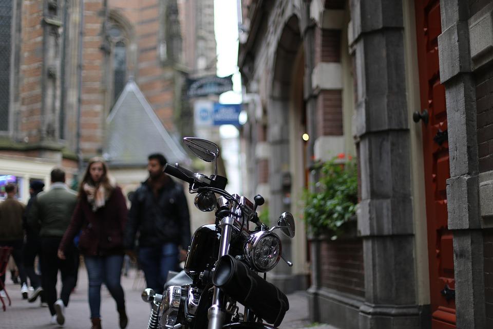 オートバイ 外 アムステルダム ドライブ 自転車 車両 ライフスタイル 屋外 道路