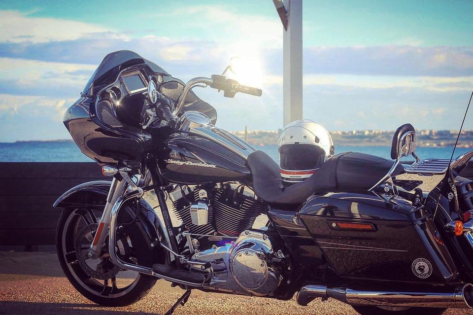 大型バイクでオススメの車種を12人にアンケート調査