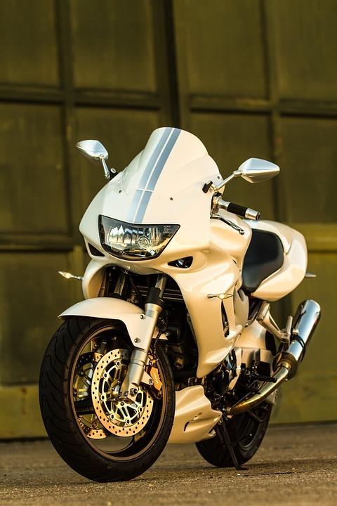 ホンダ・VTR1000Fの評価・インプレ!魅力や欠点
