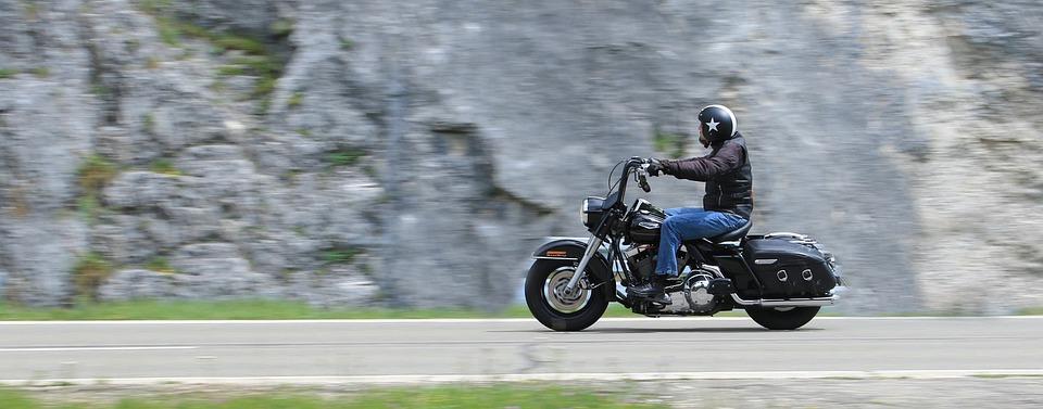 オートバイ 運転者 道 高速道路 冒険 トラベル 独立 屋外