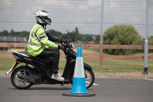 Motorcycle Cbt Licence 8 Questions