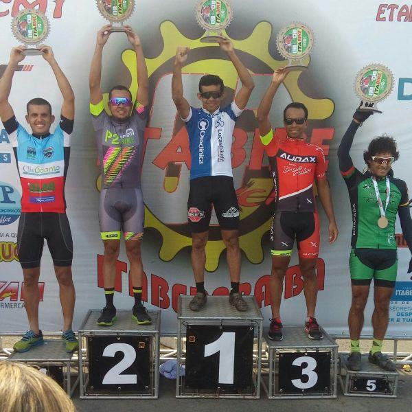 Entre o top 3, José Elenildo sobe ao pódio do campeonato. Foto Arquivo Pessoal.