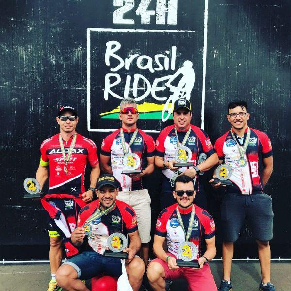 Leandro nagô e sua equipe venceram na categoria 'Sexteto'. Foto Arquivo Pessoal.
