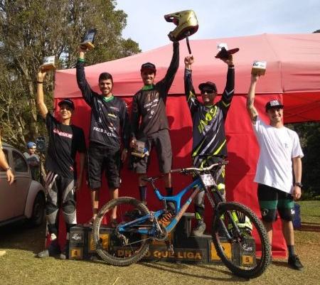 Pódio da 'Elite Masculina' teve Matheus Westin em 4º colocado. Foto Arquivo Pessoal.